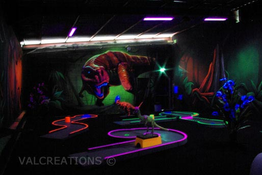 mini golf intérieur indoor blacklight